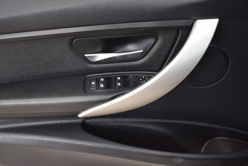 2014 BMW 3 Series 320i - 18218711 - 13