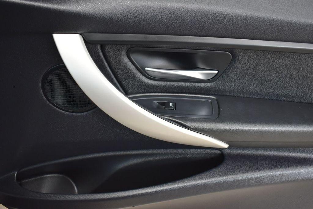 2014 BMW 3 Series 320i - 18218711 - 15