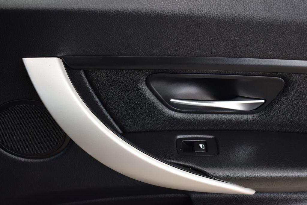 2014 BMW 3 Series 320i - 18218711 - 17