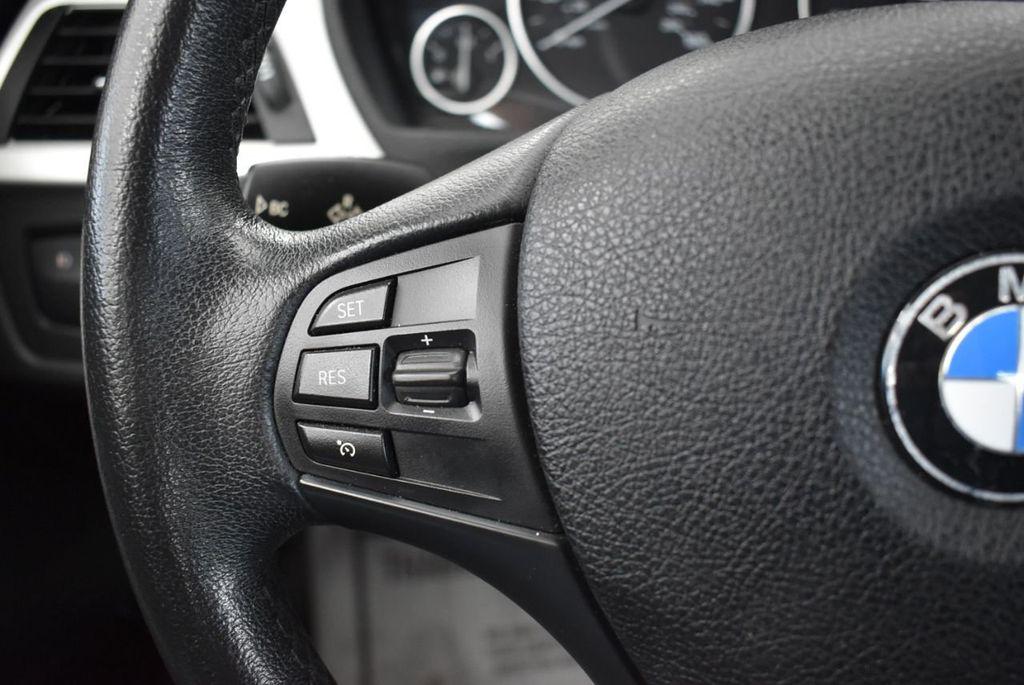 2014 BMW 3 Series 320i - 18218711 - 21