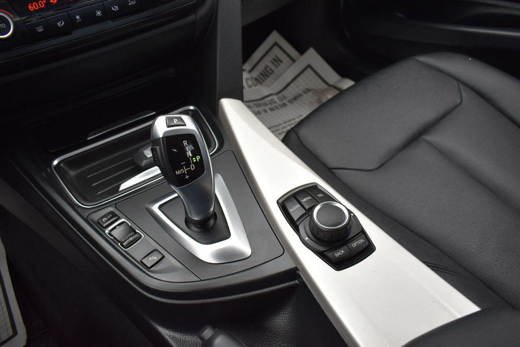 2014 BMW 3 Series 320i - 18218711 - 24
