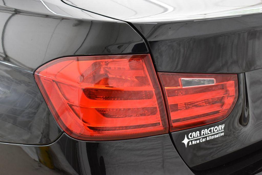 2014 BMW 3 Series 320i - 18218711 - 4