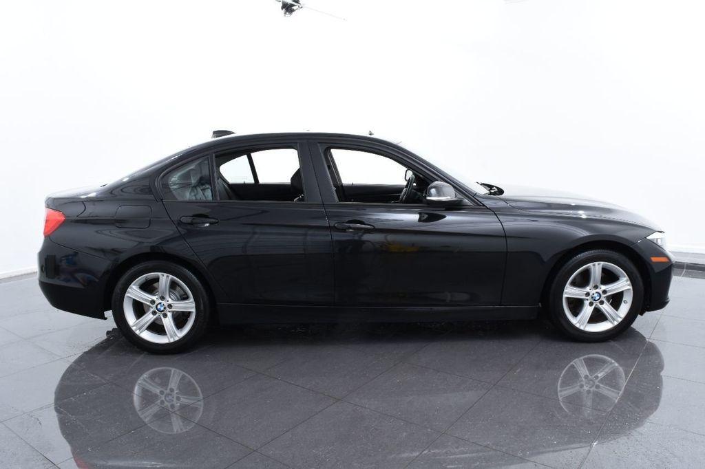2014 BMW 3 Series 320i - 17546899 - 11