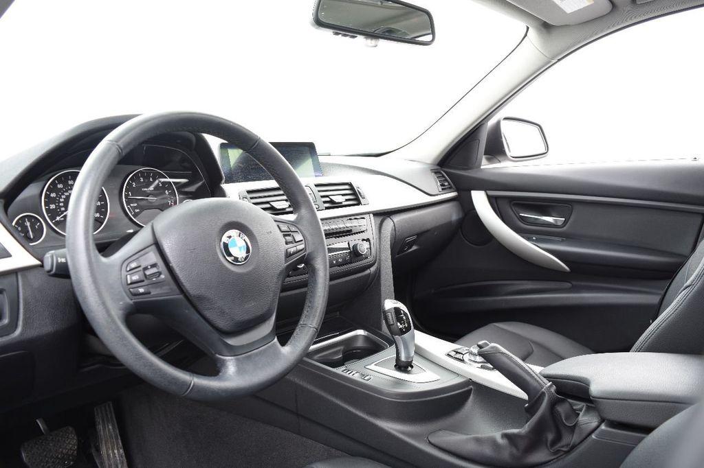 2014 BMW 3 Series 320i - 17546899 - 22