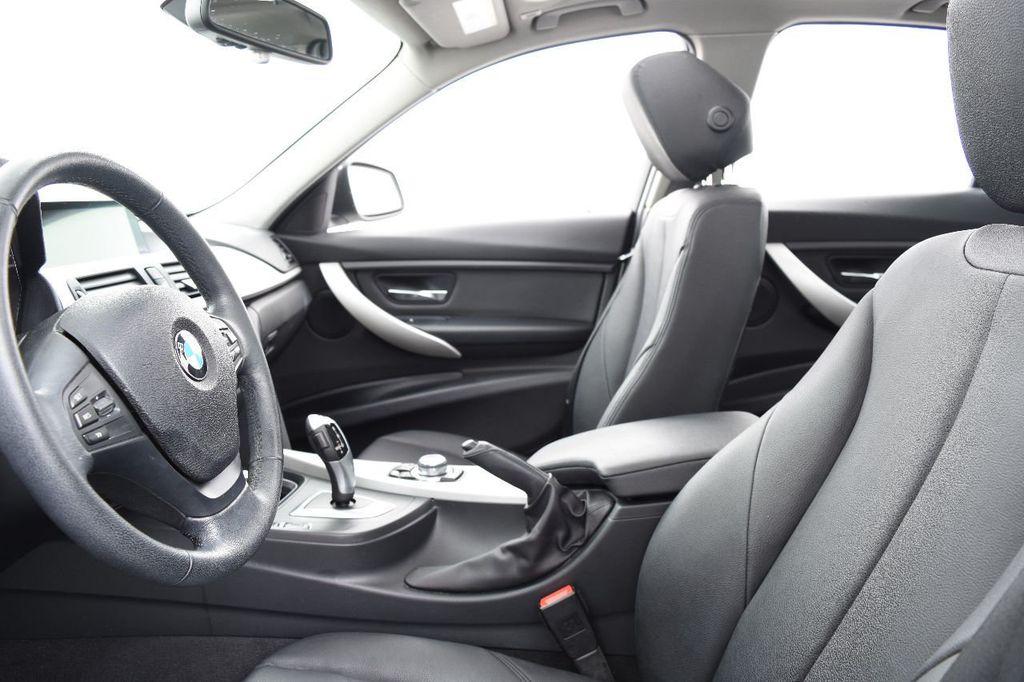 2014 BMW 3 Series 320i - 17546899 - 23