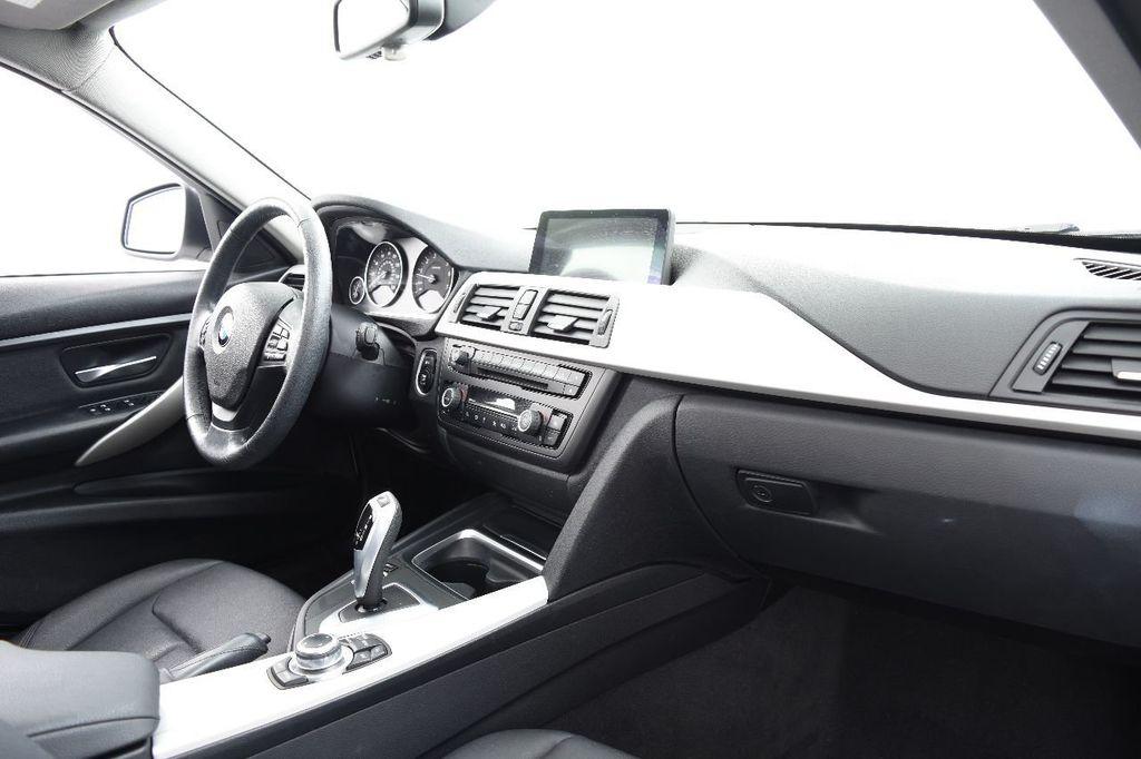 2014 BMW 3 Series 320i - 17546899 - 25