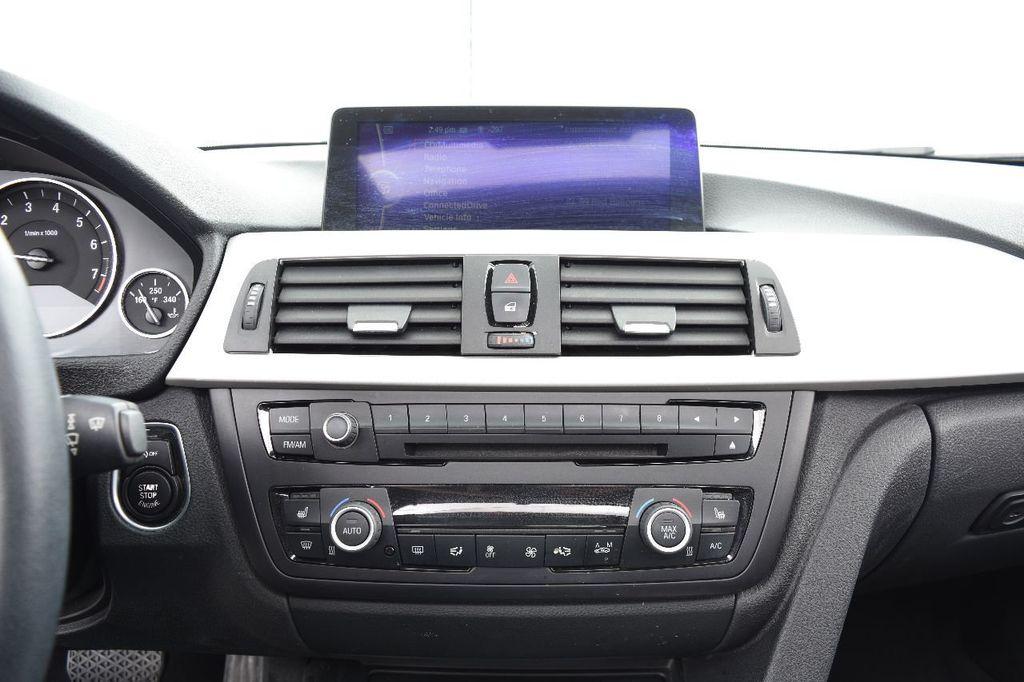 2014 BMW 3 Series 320i - 17546899 - 29