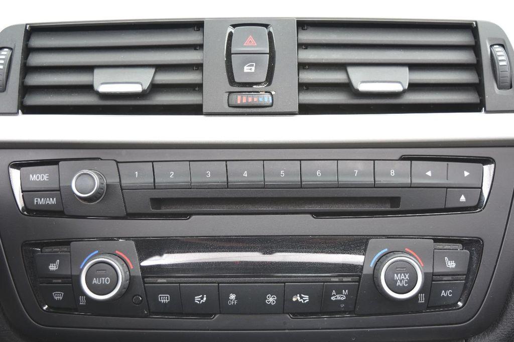 2014 BMW 3 Series 320i - 17546899 - 33