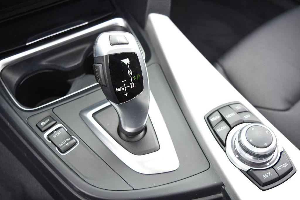2014 BMW 3 Series 320i - 17546899 - 34