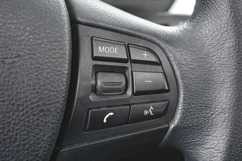 2014 BMW 3 Series 320i - 17546899 - 38