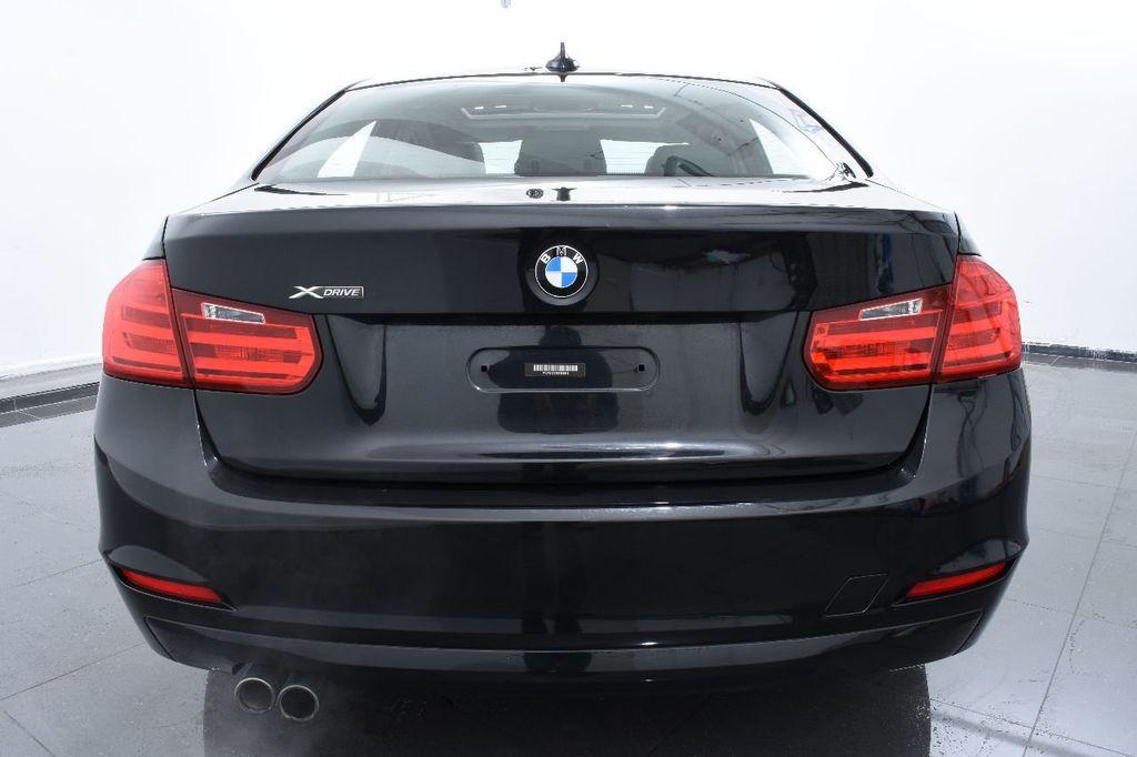 2014 BMW 3 Series 320i - 17546899 - 3