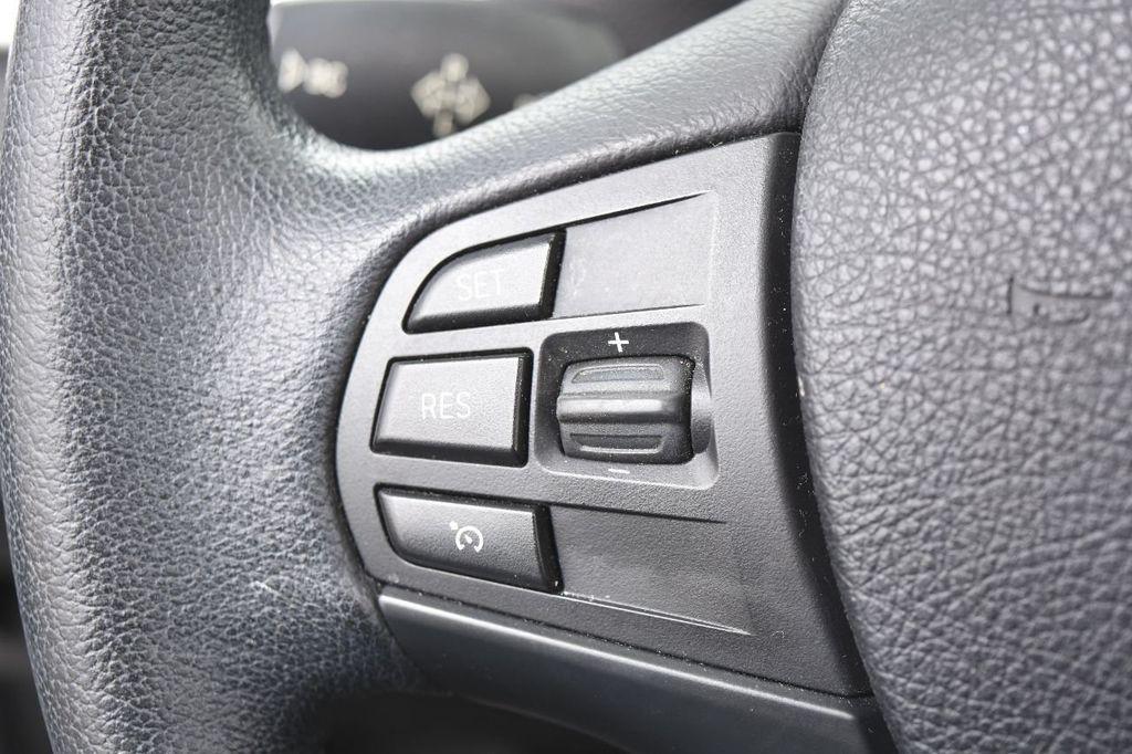 2014 BMW 3 Series 320i - 17546899 - 39