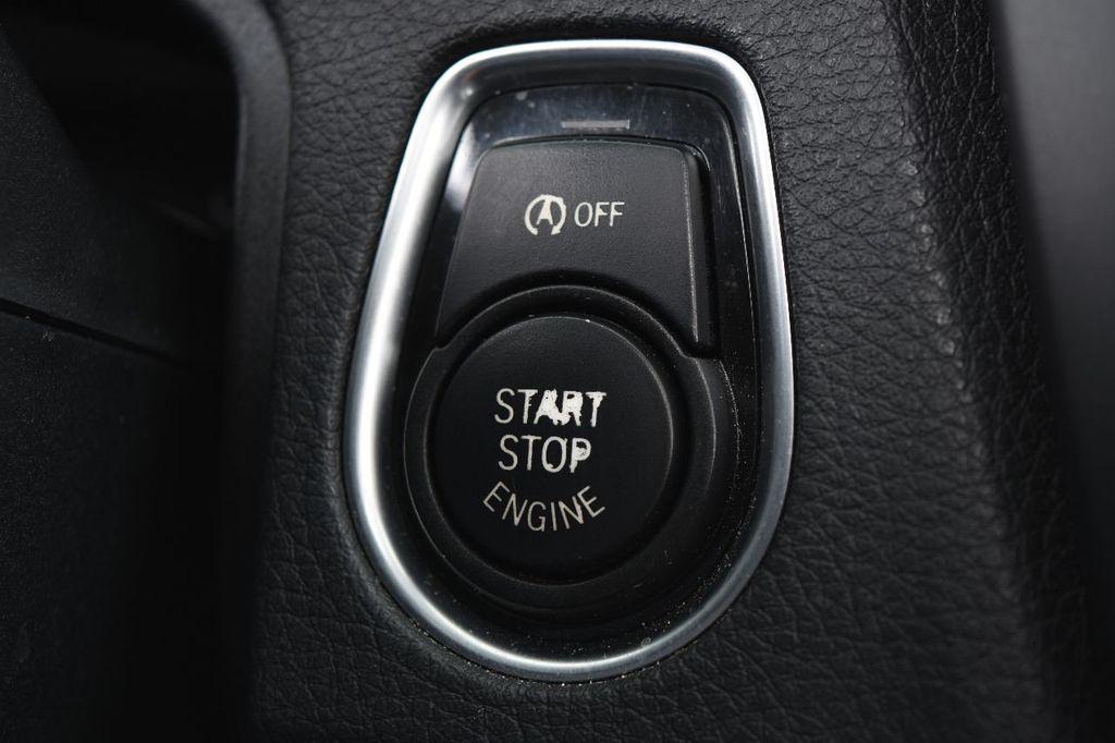 2014 BMW 3 Series 320i - 17546899 - 40