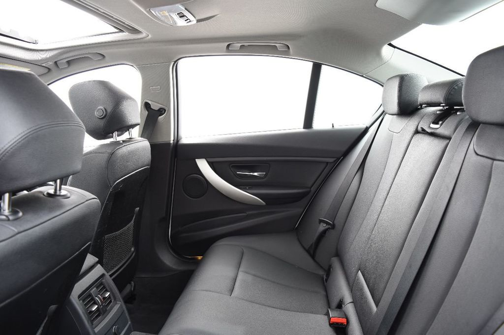 2014 BMW 3 Series 320i - 17546899 - 43