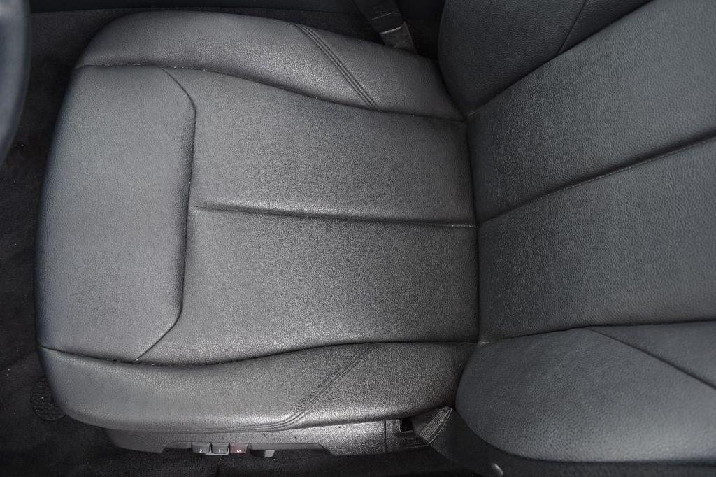 2014 BMW 3 Series 320i - 17546899 - 48