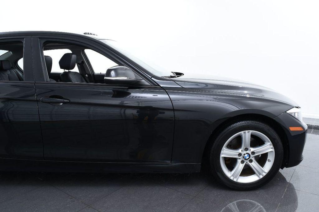 2014 BMW 3 Series 320i - 17546899 - 5