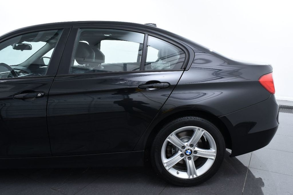 2014 BMW 3 Series 320i - 17546899 - 6