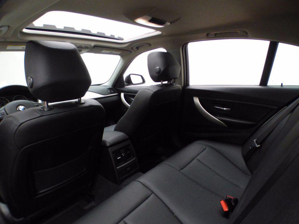2014 BMW 3 Series 320i xDrive - 16660379 - 11