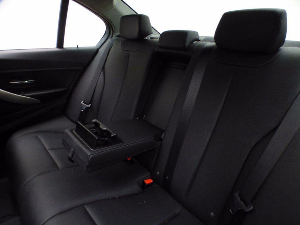 2014 BMW 3 Series 320i xDrive - 16660379 - 12