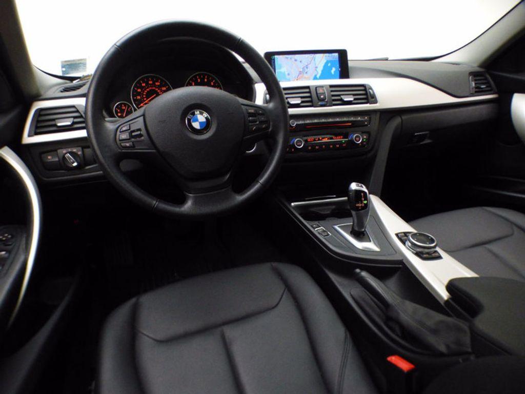 2014 BMW 3 Series 320i xDrive - 16660379 - 21