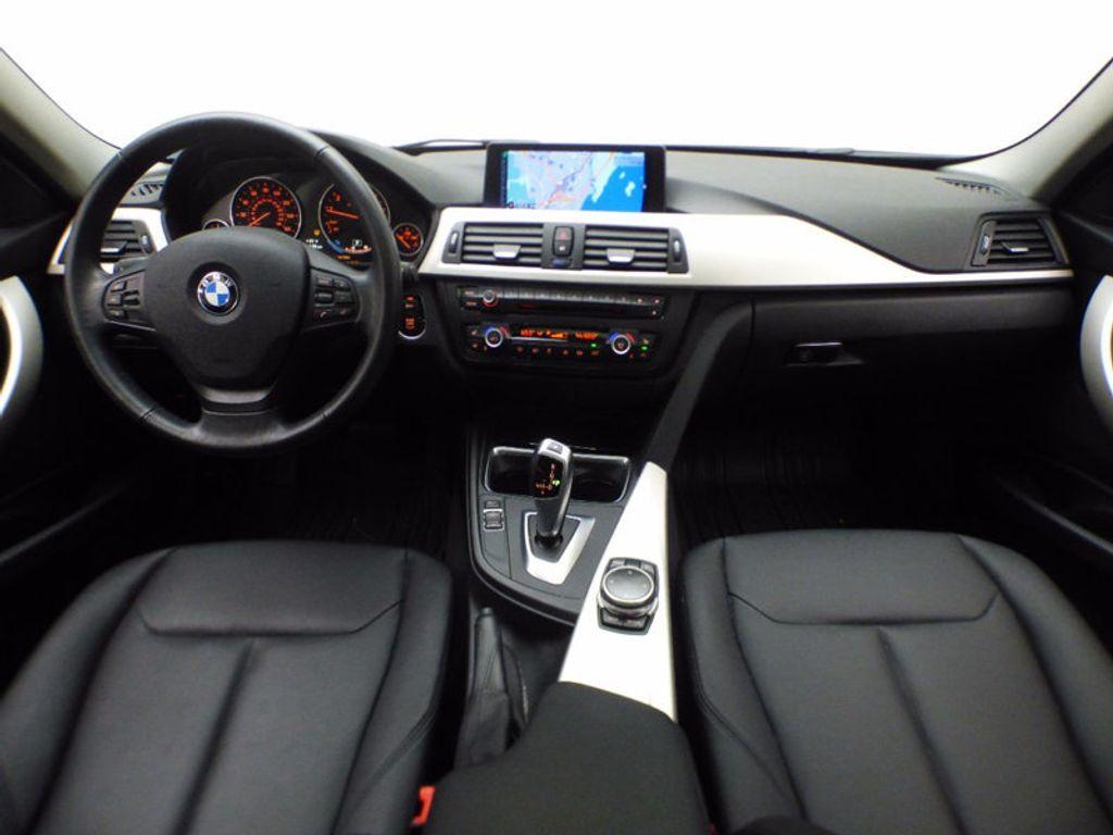 2014 BMW 3 Series 320i xDrive - 16660379 - 24