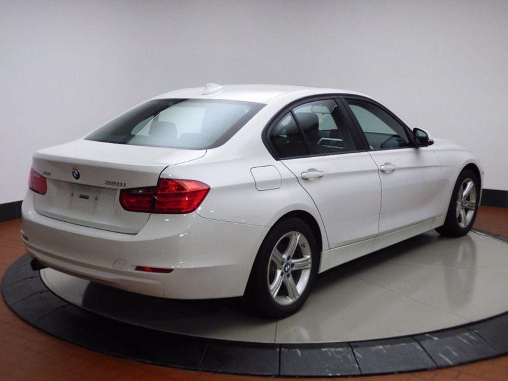 2014 BMW 3 Series 320i xDrive - 16660379 - 5