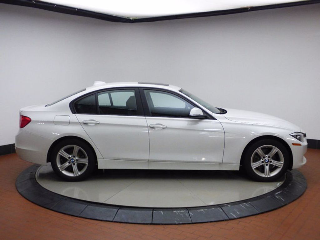 2014 BMW 3 Series 320i xDrive - 16660379 - 6