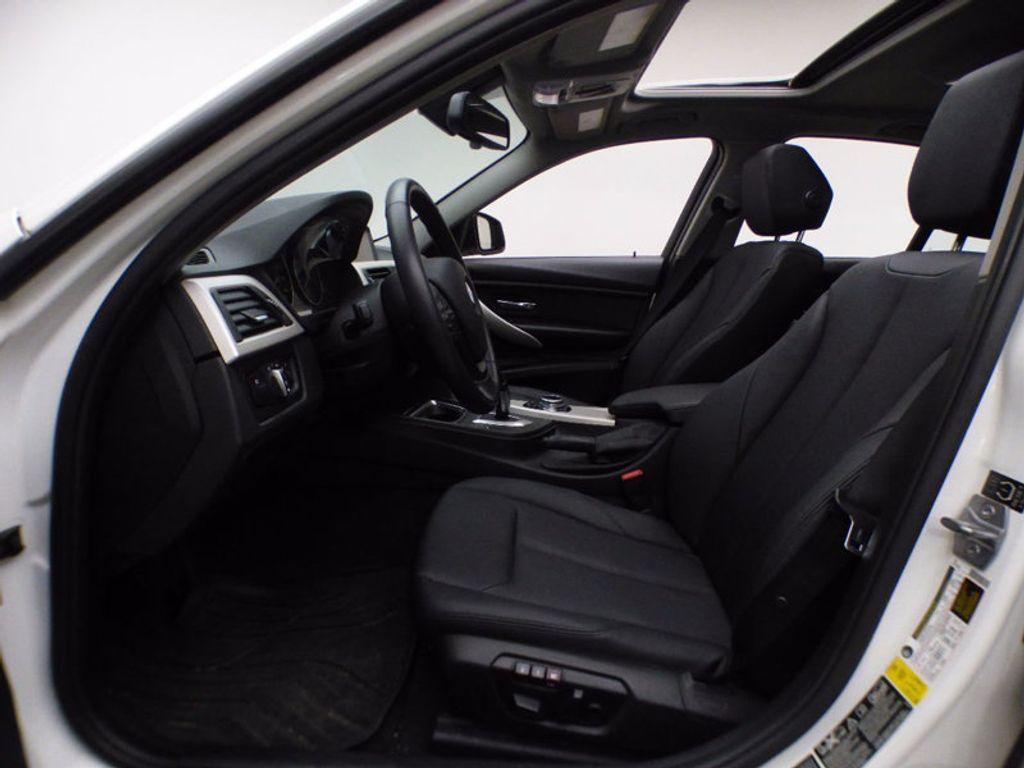 2014 BMW 3 Series 320i xDrive - 16660379 - 7