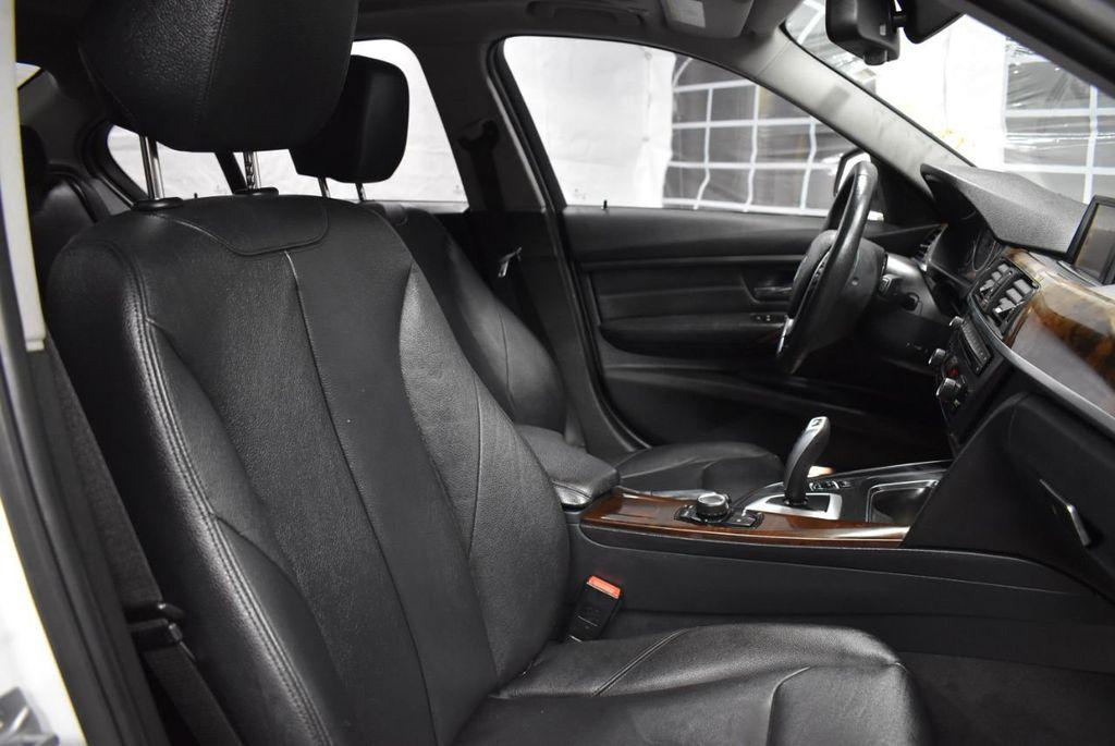 2014 BMW 3 Series 328i - 18365117 - 23