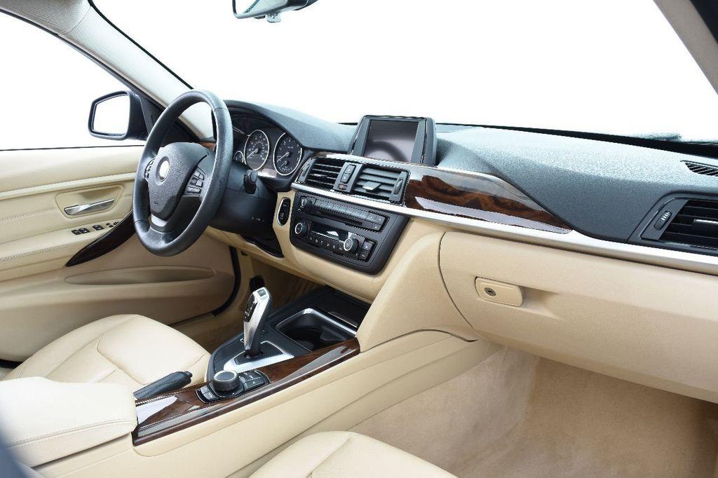 2014 BMW 3 Series 328i xDrive - 17638744 - 24