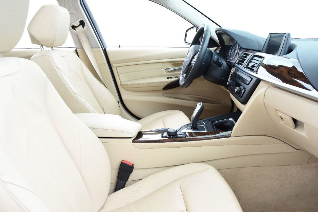 2014 BMW 3 Series 328i xDrive - 17638744 - 25