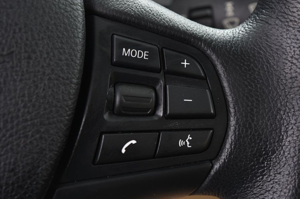 2014 BMW 3 Series 328i xDrive - 17638744 - 34