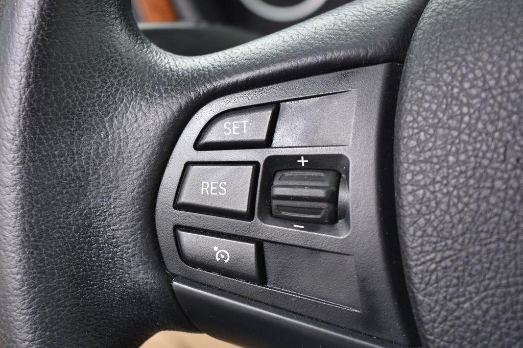 2014 BMW 3 Series 328i xDrive - 17638744 - 35