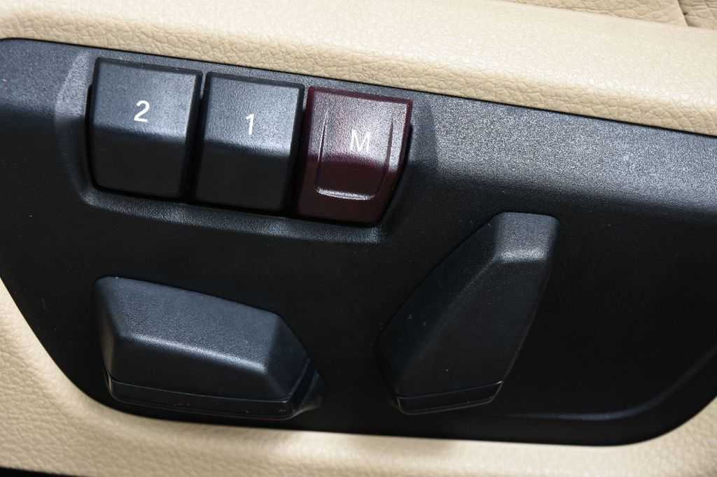 2014 BMW 3 Series 328i xDrive - 17638744 - 37