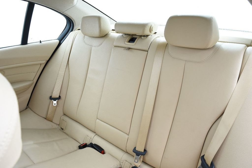2014 BMW 3 Series 328i xDrive - 17638744 - 39