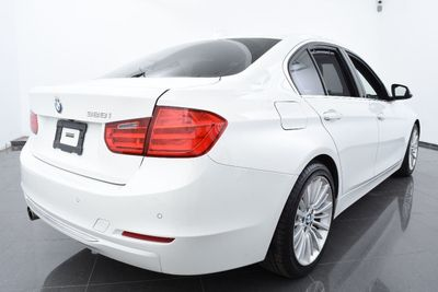 2014 BMW 3 Series LUXURY PKG - Click to see full-size photo viewer
