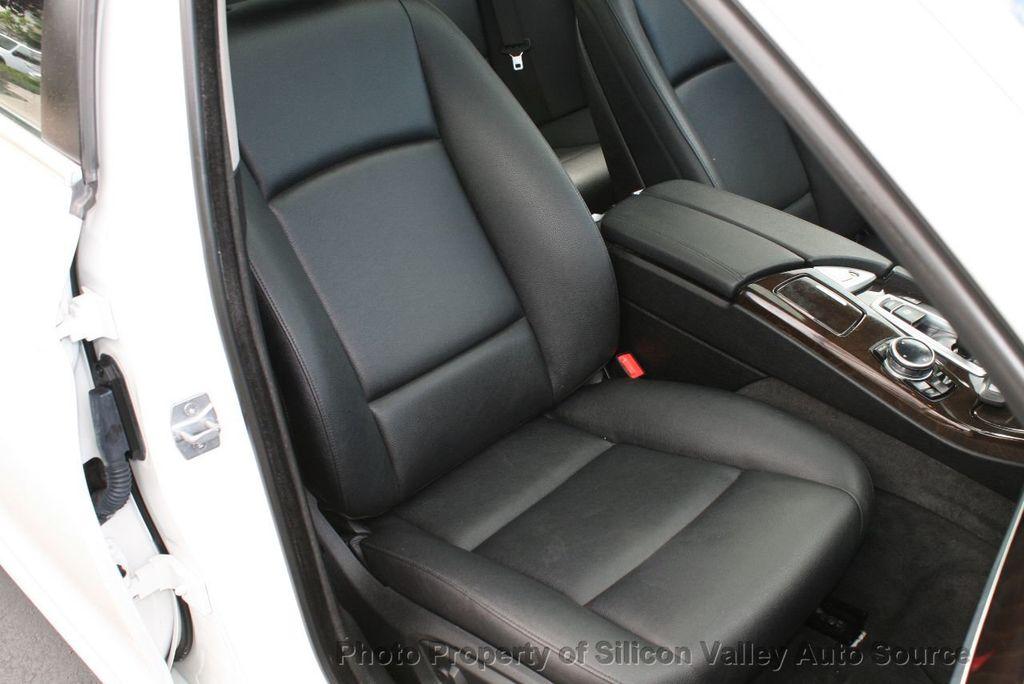 2014 BMW 5 Series 528i - 17490695 - 25