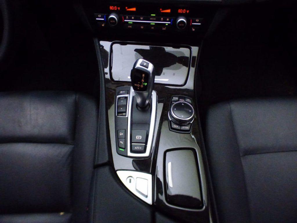 2014 BMW 5 Series 535i xDrive - 16510074 - 31