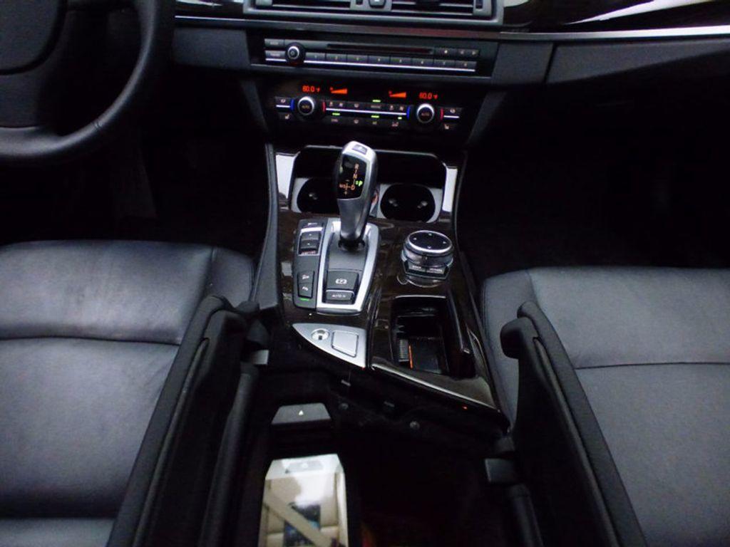 2014 BMW 5 Series 535i xDrive - 16510074 - 32