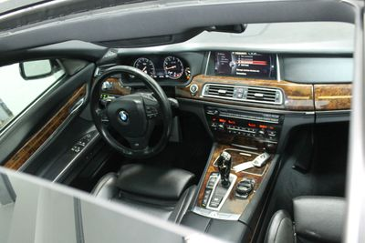 2014 BMW 7 Series 750Li xDrive - Click to see full-size photo viewer