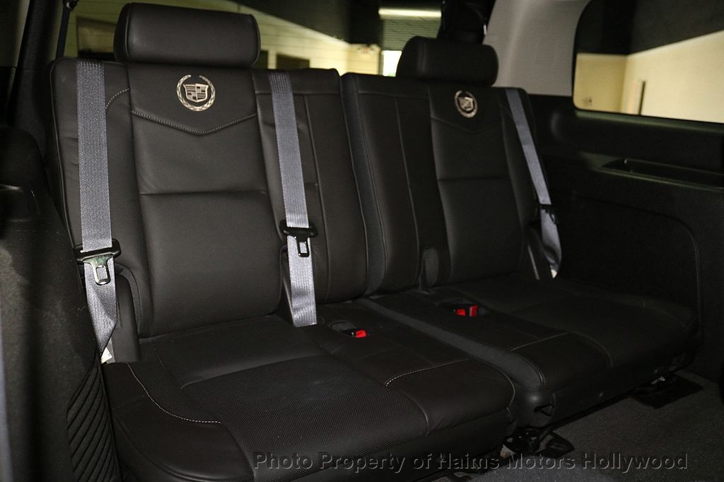 2014 Cadillac Escalade 2WD 4dr Platinum - 18216396 - 17