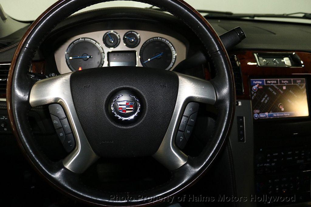 2014 Cadillac Escalade 2WD 4dr Platinum - 18216396 - 32
