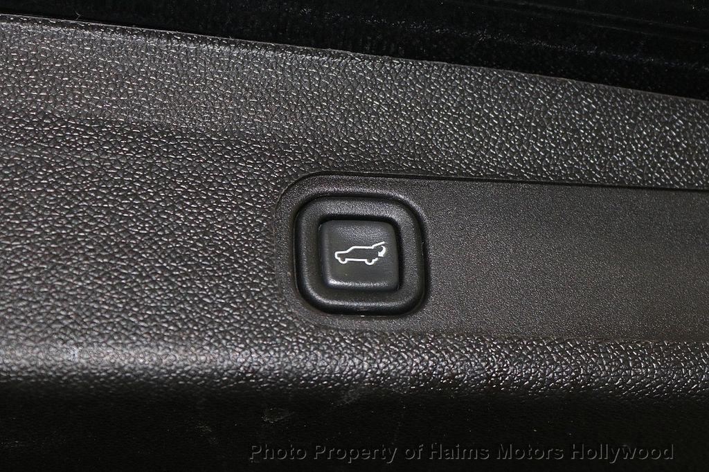2014 Cadillac Escalade ESV 2WD 4dr Premium - 17810320 - 9