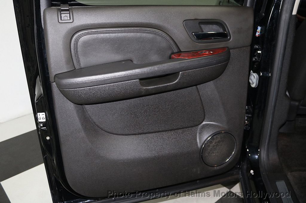 2014 Cadillac Escalade ESV 2WD 4dr Premium - 17810320 - 11
