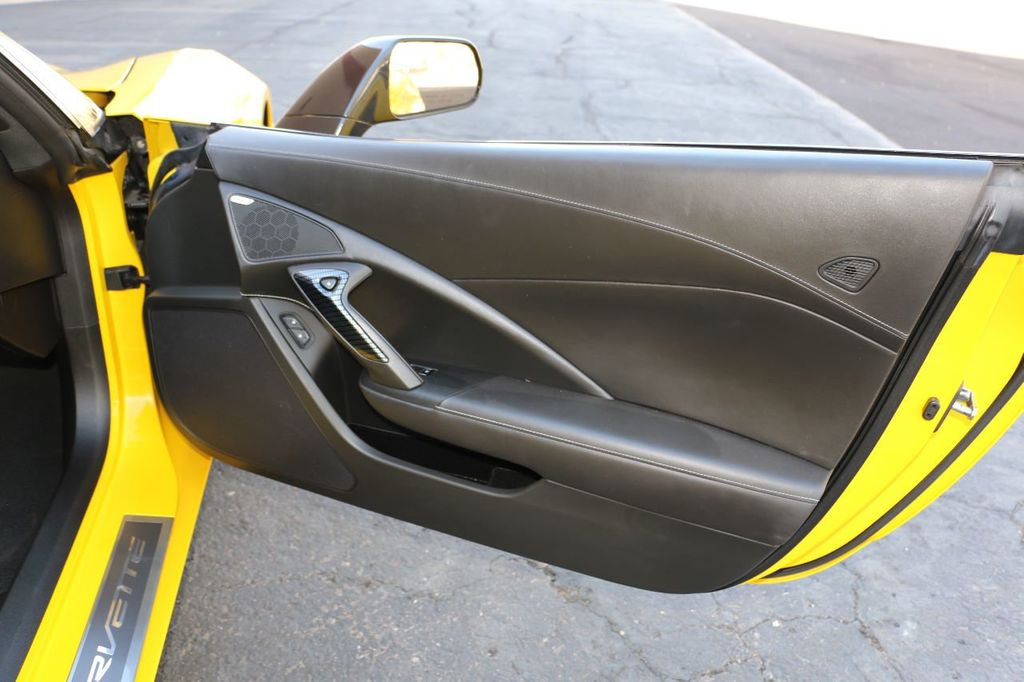 2014 Chevrolet Corvette Stingray 2dr Z51 Coupe w/3LT - 15281605 - 23