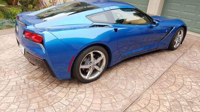 2014 Chevrolet Corvette Stingray CORVETTE w/ T-TOPS - Click to see full-size photo viewer
