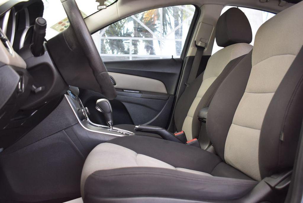 2014 Chevrolet CRUZE 4dr Sedan Automatic LS - 18550329 - 12