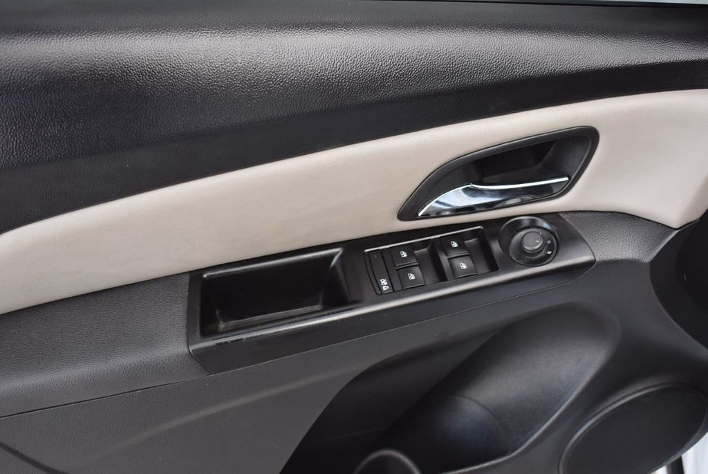 2014 Chevrolet CRUZE 4dr Sedan Automatic LS - 18550329 - 13