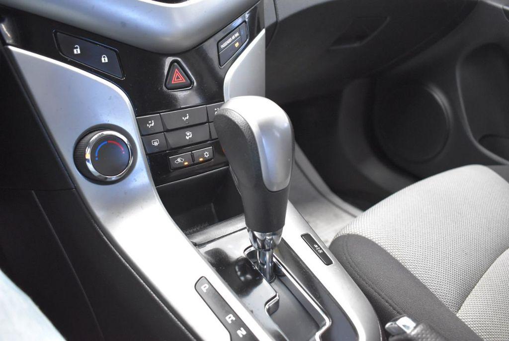 2014 Chevrolet CRUZE 4dr Sedan Automatic LS - 18550329 - 22