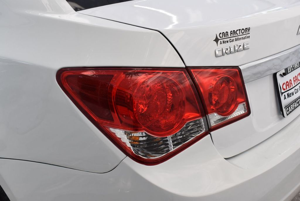 2014 Chevrolet CRUZE 4dr Sedan Automatic LS - 18550329 - 4